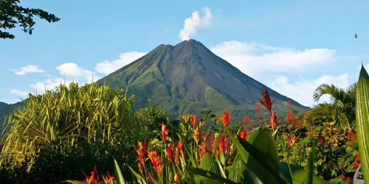 Tour al volcán Arenal y aguas termales