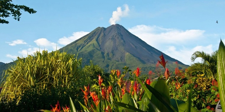 Volcano Tour and Hot Springs